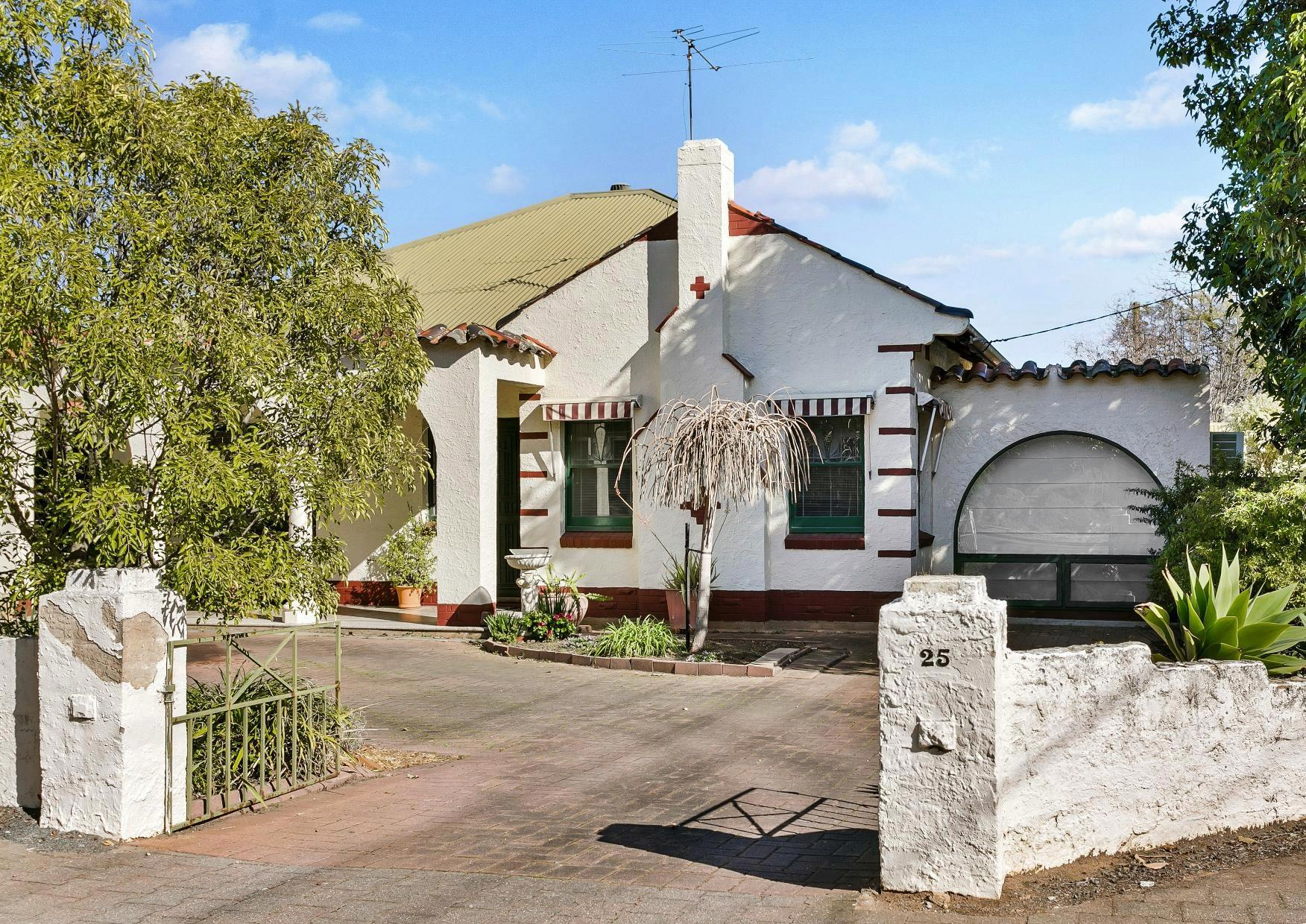 25 Clovelly Ave at Clarence Gardens